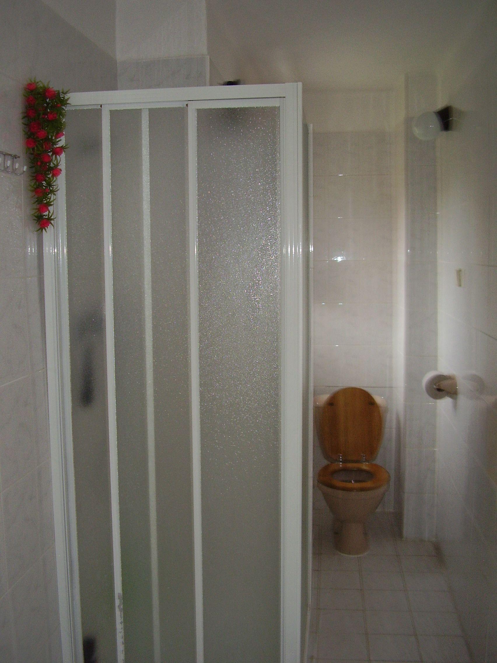 Koupelna s WC-přízemí